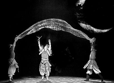 《月亮草》揭幕中国儿童戏剧节