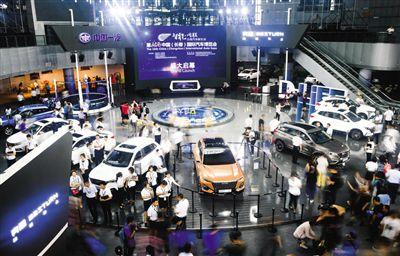 跨国车企分享中国发展红利