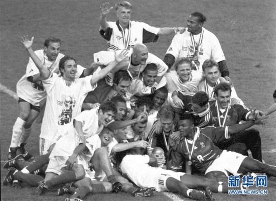 足球――法国队与大力神杯再续前缘