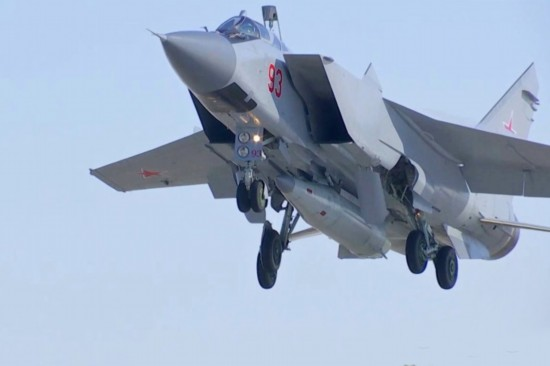 美媒:俄正测试为逆火轰炸机安装高超音速武器