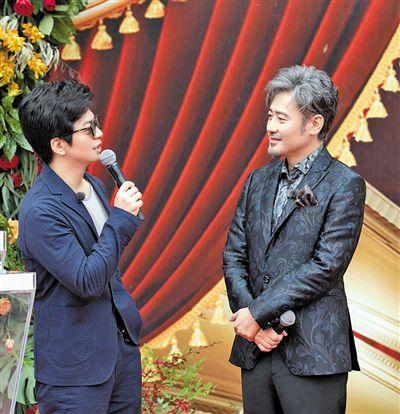 《跨界歌王》总决赛 吴秀波李健合体 那英帮唱王凯