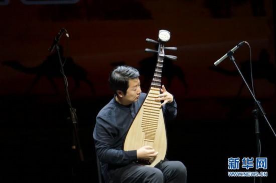 《敦煌国乐――中国国乐名家音乐会》在敦煌演出