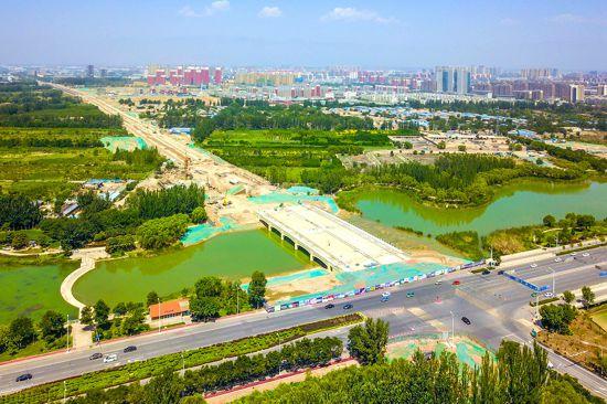 银川宝湖路跨艾依河大桥已具雏形