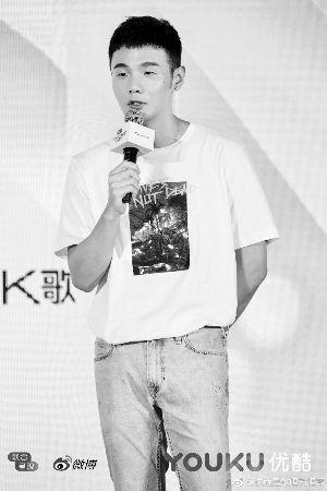 李荣浩爱看罗志祥和杨丞琳合作的《海派甜心》