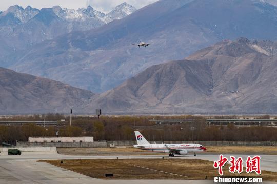 西藏民航上半年完成旅客吞吐量254万人次