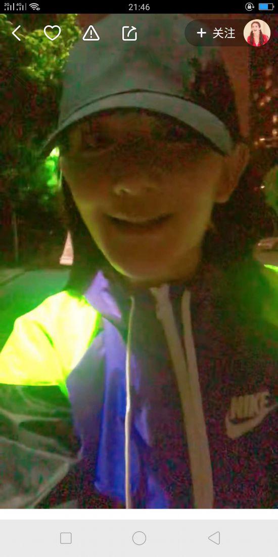 谢娜深夜当司机 发短视频挑逗网友求偶遇