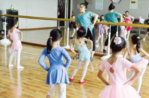 天津东丽区文化馆开展暑期少儿公益课程
