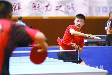 佛山乒乓球公开赛:老少同场 快乐加倍