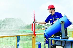 淮安市区一建筑工地雾炮降尘 遏制扬尘污染