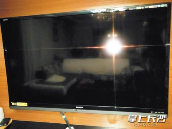 電視屏幕總被熊小孩搶走 如何讓電視屏幕更安全