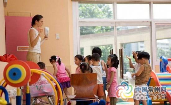 """常州多数民办幼儿园打""""双语""""牌 学费超2500元/月"""