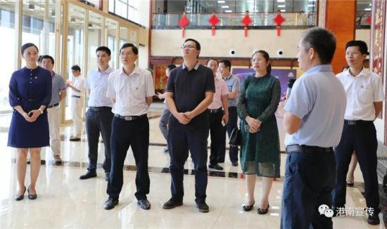 贺州考察组到港南区考察学习基层党建工作