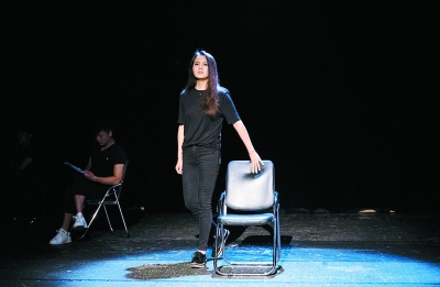 北京人艺演员台词训练班结业 冯远征30年舞台经验倾囊相授