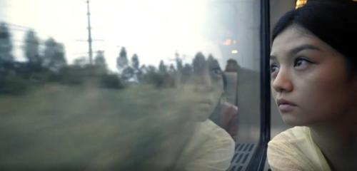 视频截图:春夏凭借在电影《踏雪寻梅》中的表现获得金像奖最佳女主角