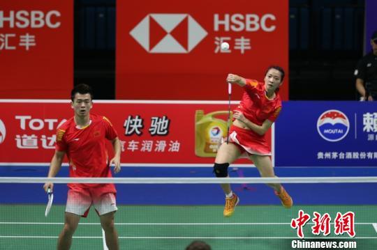 黄雅琼表示,希望世界冠军的搭档郑思维能带着自己获得世锦赛的好成绩。官方供图