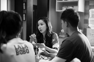 娄艺潇演唱《爱情公寓》主题曲