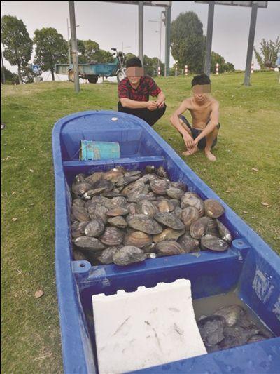 常州武进警方两天抓获18名非法捕捞河蚌者