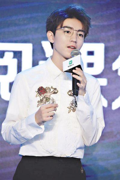 王俊凯为小朋友推荐课外书 建议根据自己年龄喜好选