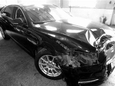 泰州兴化一女代驾醉驾撞了 交警一查还没驾照