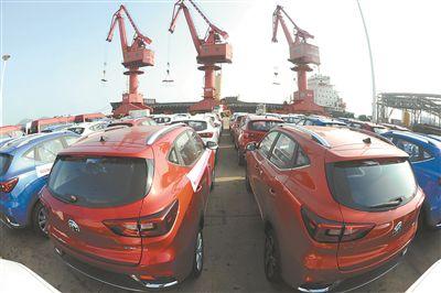江苏规模以上港口上半年完成货物吞吐量11亿吨