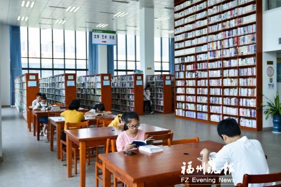 配备网红书架坐拥无敌江景 福州闽侯图书馆跻身国家一级