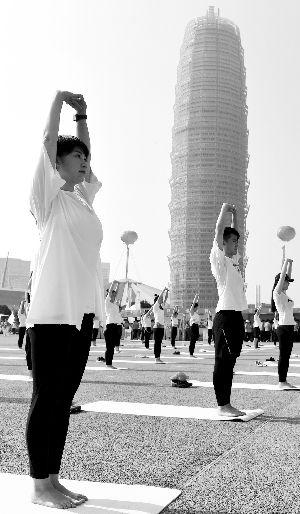 新时代全民健身动起来