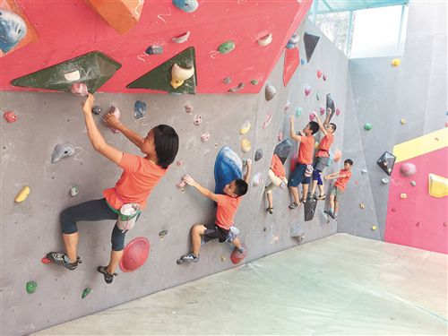 国家攀岩少年集训队马山展开夏训
