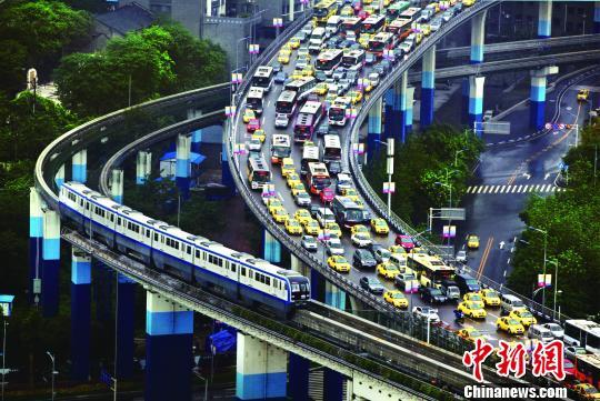 """重庆轨道交通成""""网红""""设计师揭秘技术攻关难点"""