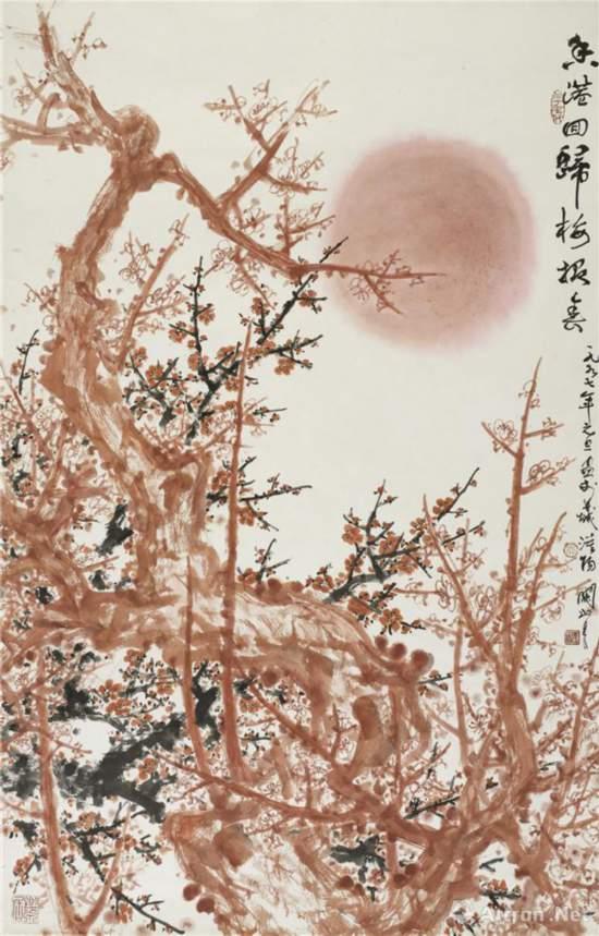 香港回归梅报春 1997年 137 cm×89 cm 纸本设色 关山月美术馆藏
