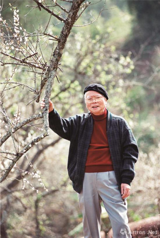 """1999年1月2号关山月参观从化流溪河国家森林公园梅花节并题写""""流溪香雪"""""""