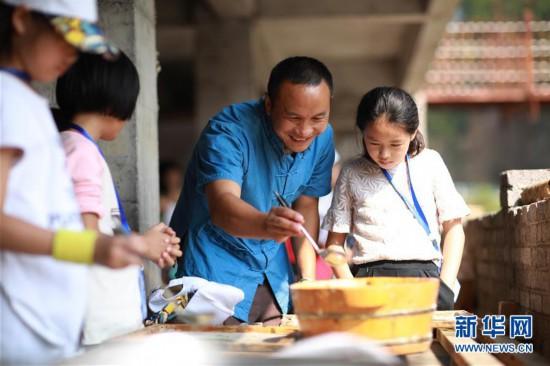 #(图片故事)(1)贵州丹寨:古法造纸唱新歌