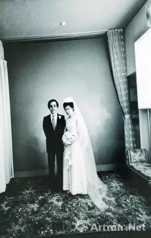 荒木经惟与阳子的结婚照,这是荒木当时的助手帮他们拍的