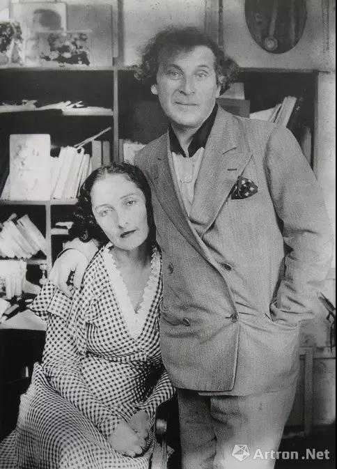 夏加尔和他的妻子贝拉