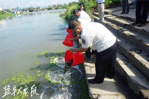 100万尾鱼种!盐城东台启动渔业资源增殖放流活动