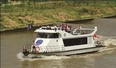 南通海安600多名市镇村级河长常态化开展巡河