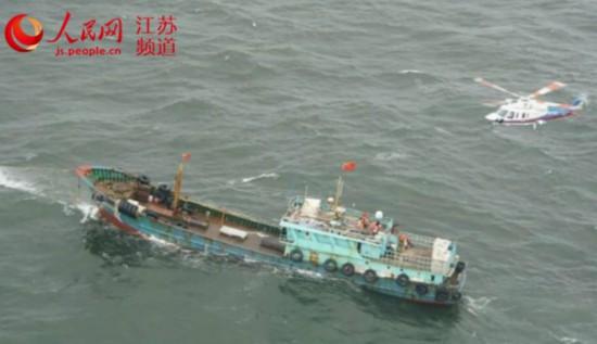 台风温比亚带来10级大风 江苏搜救人员海上救下19名船员