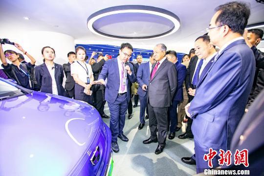 马哈蒂尔到访吉利见证中马汽车行业深化新能源合作