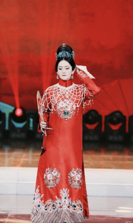 谢娜扮演《延禧攻略》高贵妃超惊艳 眼神犀利气场十足