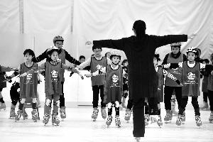 北京市青少年免费就近可享受冰上课程 每次训练1个小时