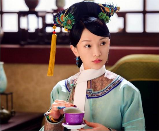谢娜演的电视剧_因为周迅真的不年轻了,她在几年前出演电视剧《红高粱》中少女角色的