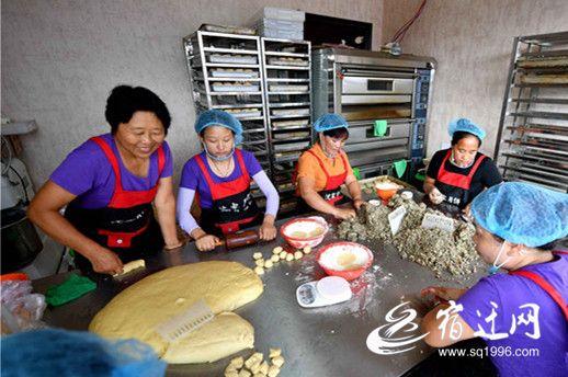 宿迁:传统手工月饼市场受宠
