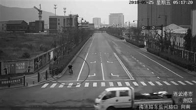 纵火焚车案牵出婚外情 连云港警方抓4名嫌疑人