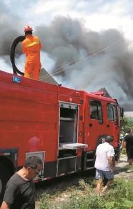 南通通州一家纺企业突发火灾 无人员伤亡