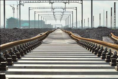 宁启铁路二期轨道工程贯通 年底具备开通条件