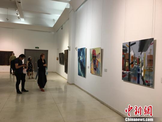 第二届中德艺术交流展开幕200余件作品昆明亮相
