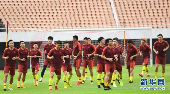 (体育)(2)足球――国足集结广州备战
