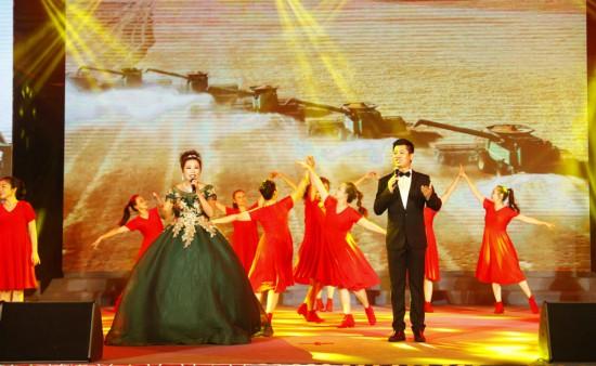 《三十而立 我的海南》庆祝建省三十周年惠民演出在琼中举行