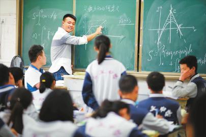 学有所教 人人出彩——走近默默付出的老师们