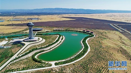"""(宁夏60年)(1)沙漠崛起太阳能""""硅谷"""""""