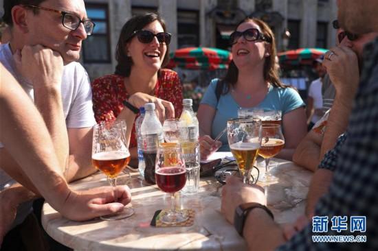 """(國際)(1)布魯塞爾歡度""""比利時啤酒周末"""""""